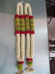 garlands for indian weddings pin by shweta raman on mandap decoration garlands