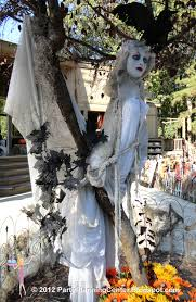 party planning center 10 creepy outdoor halloween decorating ideas