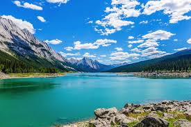 beutifull 15 beautiful places you have to visit in alberta canada hand