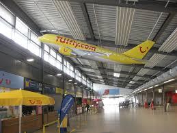 Baden Airpark Parken Groß Modell Eines Tuifly Airbus A310 Im Baden Airpark Terminal