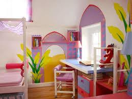 trompe l oeil chambre chambre d enfant avec peintures en trompe l œil notes de styles