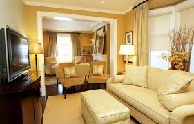 how to pick the right yellow gold living room paint colors