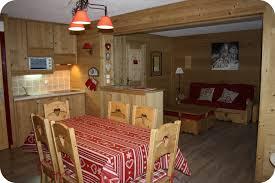amenagement cuisine studio montagne deco cuisine montagne mobilier décoration