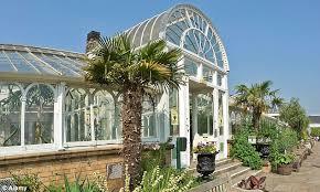 Botanic Gardens Uk Greenhouse Effect You Don T To Visit A Botanic Garden To