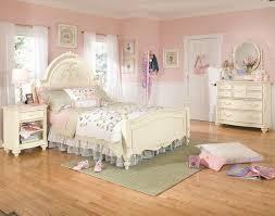 Jessica Mcclintock Bedroom Furniture Lea Industries Jessica Mcclintock Romance Queen Size Traditional