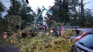 Polizei Bad Schwalbach Tornado Zieht Spur Der Verwüstung Durch Bad Schwalbach