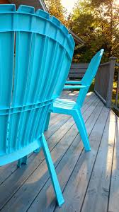Paint For Outdoor Plastic Furniture by How To Spray Paint Plastic Lawn Chairs Dans Le Lakehouse