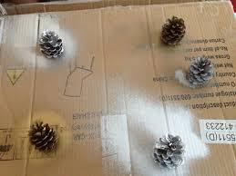 diy pine cone christmas tree decorations