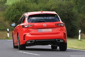 opel insignia sports tourer opel insignia gsi sports tourer spy shots autozaurus