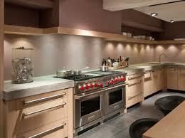 cuisine beige cuisine beige et marron cuisines avec bar orleans with