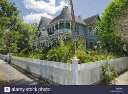 american queen anne revival victorian home in the historic