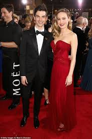 brie larson casey affleck brie larson brings fiancé alex greenwald to the golden globes