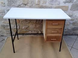repeindre un bureau repeindre un bureau en bois renover un meuble ancien en moderne