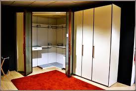 mondo convenienza armadio angolare cabina armadio angolare mondo convenienza prezzi riferimento per