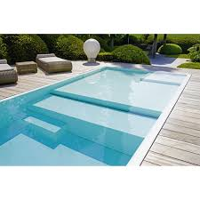 really interesting flooring in this pool i guess the shallow area