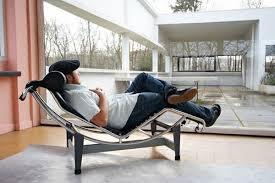 chaise longue d int rieur chaise longue interieur le corbusier pour votre confort archzine fr