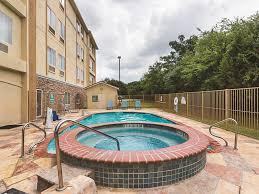 Hotels Near Fiesta Texas Six Flags San Antonio La Quinta Inn U0026 Suites Fiesta Texas San Antonio Tx 5622 Utex 78249