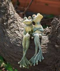 carefree frog garden statue garden statues frogs and amphibians