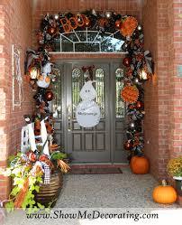 halloween door garland black and white show me decorating
