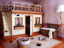 cabane dans chambre me you de madrid decoracion lit cabane bois cabane chambre