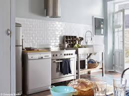 photo cuisine avec carrelage metro une maison typique au bord de la mer on en rêve carrelage