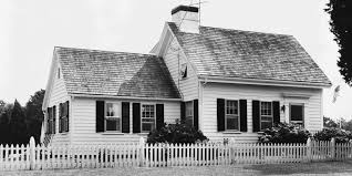 cape cod house style a cape cod style house what is a cape cod house