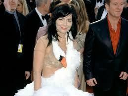 swan dress how björk s swan dress made fashion history racked