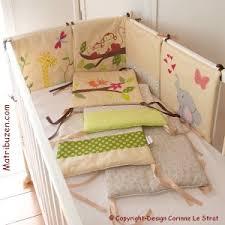 chambre de bébé jungle tour de lit 6 coussins jungle savane cadeau naissance linge de