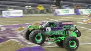 grave digger monster truck driver monster jam minneapolis 2016 dec 11 adam anderson and grave digger