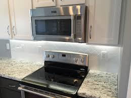 how to install subway tile kitchen backsplash kitchen backsplash in a 3x6 white subway tile in a vertical