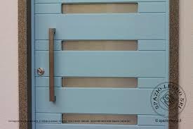 porte ingresso in legno portone ingresso in legno massello tinta ral con vetri piccoli
