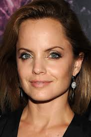 hairstyles for large heads 26 celebrities who prove that fiveheads make you beautiful