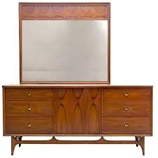 Mirror Dressers Triple Dresser And Mirror By Broyhill Brasilia Premier At 1stdibs