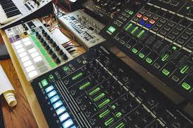 battle tapes u0027 new u0027form u0027 ep moves synth rock forward digital trends