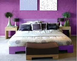 chambre couleur aubergine deco chambre violet dacco chambre couleur violet et gris avec une