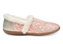 slippers toms