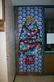 Classroom Door Decoration For Christmas by Classroom Doors Show Christmas Spirit Villa Maria Academy High