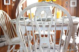 How To Revamp Your Old Kitchen Table Using Chalk Paint Megan - Distressed white kitchen table