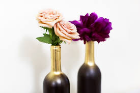 Diy Wine Bottle Vases Easy Diy Holiday Gift Using Wine Bottles Song Of Style
