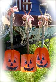 outside halloween crafts best 20 shovel ideas on pinterest shovel decor shovel craft