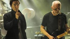 Comfortably Numb Roger Waters David Gilmour Benedict Cumberbatch Sings Comfortably Numb With David Gilmour