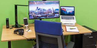 Best Office Desks The Best Home Office Furniture And Supplies Reviews By Wirecutter