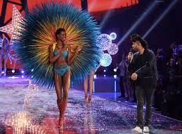 black hair show 2015 angolan model maria borges brings natural hair to victoria s