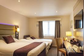 Hotel Premier In Oldham Central UK Bookingcom - Family rooms central london