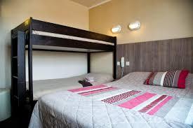 chambre familiale chambre familiale côté hotel vue mer yeu chambres d