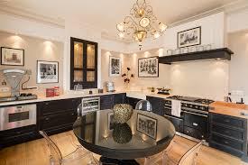 cuisine sur parquet cuisine noir parquet