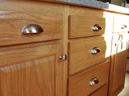 kitchen cabinet hardwarechoosing kitchen cabinet knobs pulls and