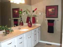 ideas for bathroom decorating bathroom towel designs unique inexpensive bathroom decorating