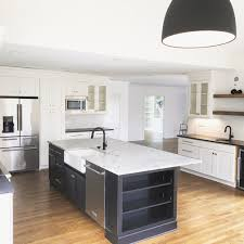are two tone kitchen cabinets in style 2020 two tone kitchen cabinets two tone kitchen inspiration