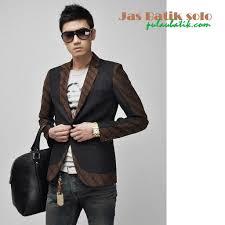 desain baju batik pria 2014 jas batik pria modern adalah produk baju blazer pria premium terbaru